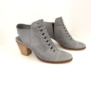 Free People Far Hills Ankle Boot Size 40